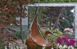 Mirropane Chrome Garden